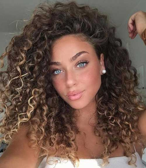 Curly Hairstyles for Women-33