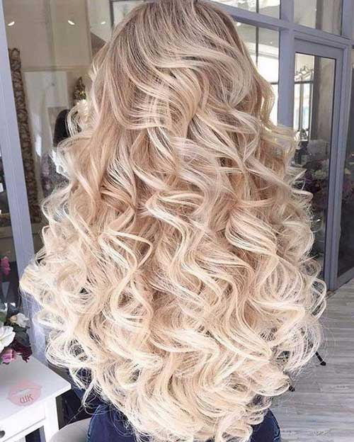 Curly Hairstyles for Women-34