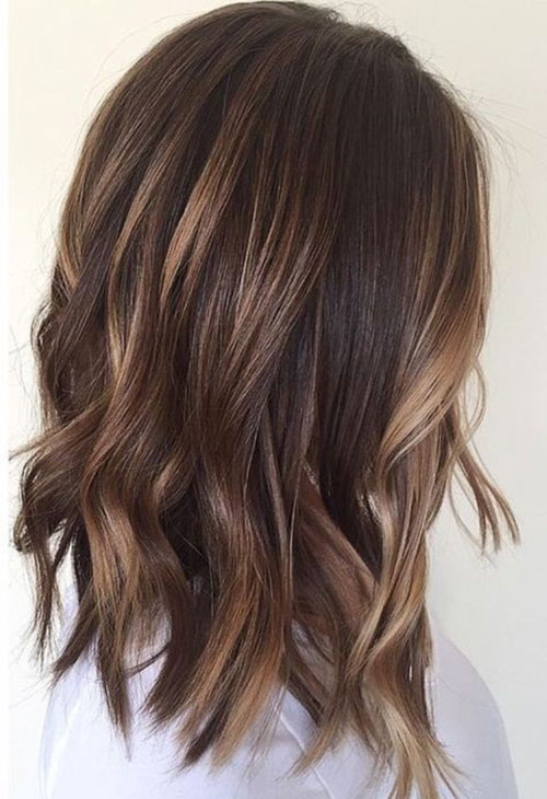 Brown Medium Length Wavy Hairstyles-6