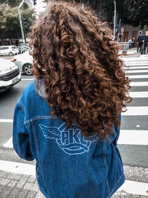 Frisuren für lockiges Haar-13