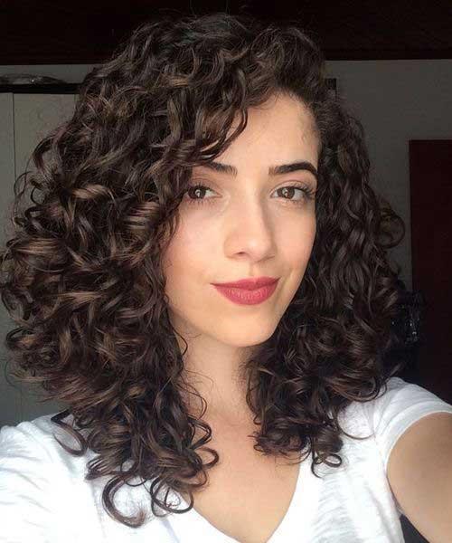 Frisuren für lockiges Haar-14
