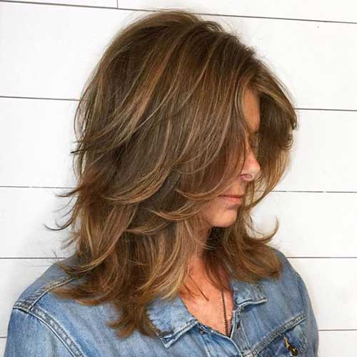 Medium Layered Hairstyles-18