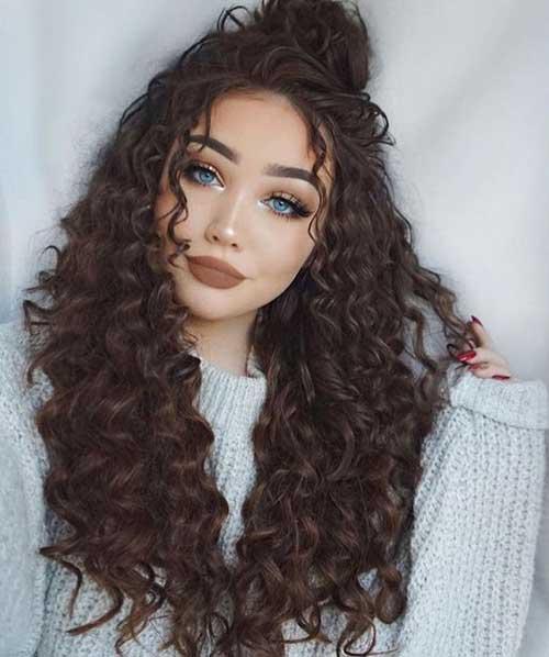 Frisuren für lockiges Haar-7