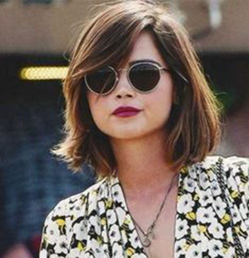 Short Thick Hairstyles For Round Faces