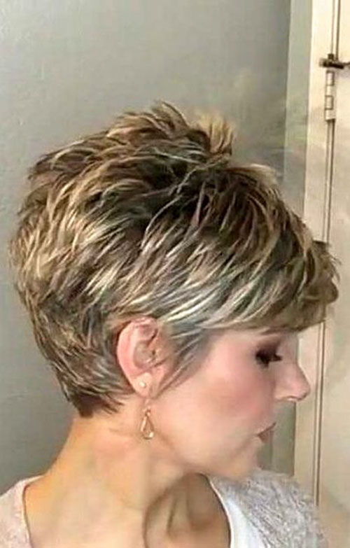 Short Pixie Bob Haircut