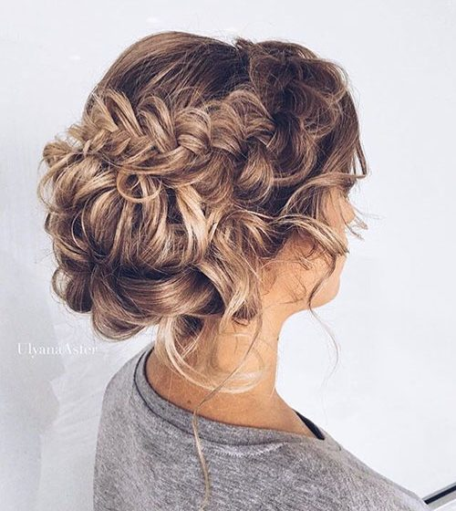 35 Cute Updos You Can Wear at Any Event