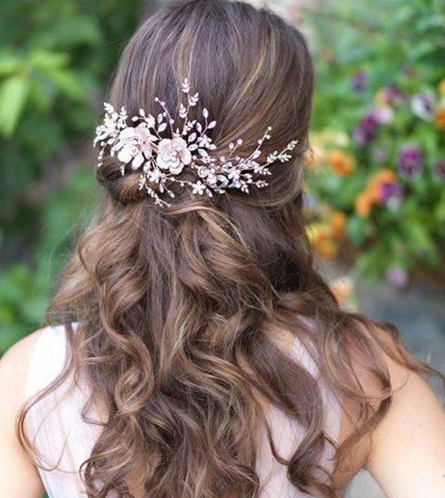 25 Gorgeous Natural Hairstyles for Wedding in 2020