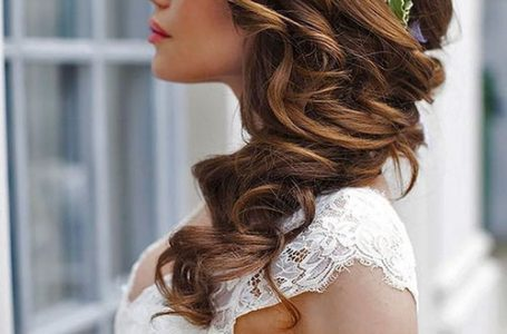 15+ Amazing Side Hairstyles for Wedding of This Season
