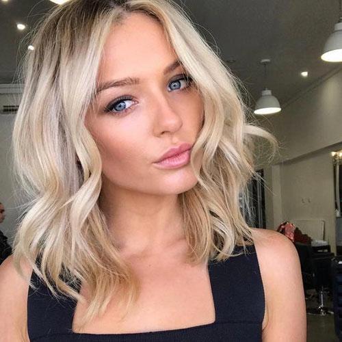 Kadınlar için Omuz Uzunluğu Saç Stilleri