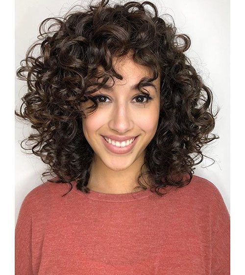 15+ Latest Hairstyles for Shoulder Length Curly Hair in 2020