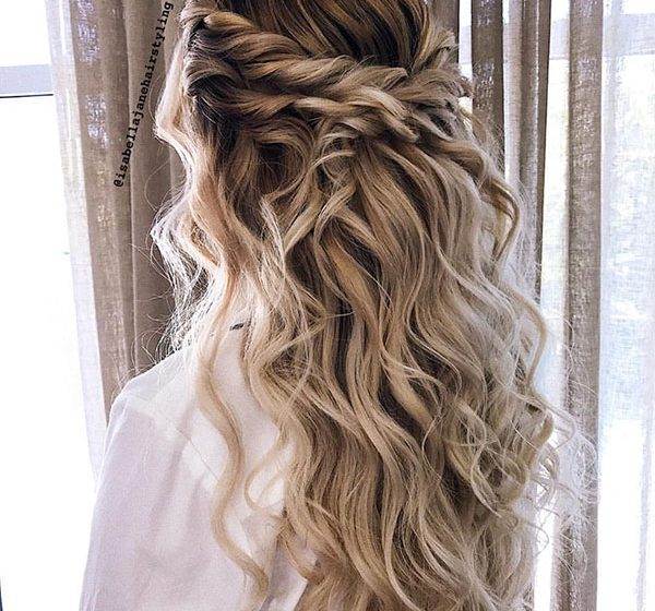 25 Perfect Prom Hairstyles That'll Make You Look Great Among Your Friends