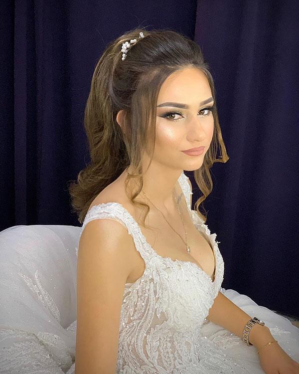 Klassisches Brauthaar